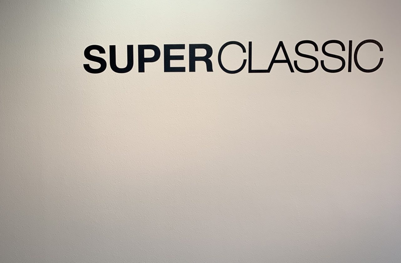 abrAsus 小さい財布を取り扱っているのはSUPER CLASSIC
