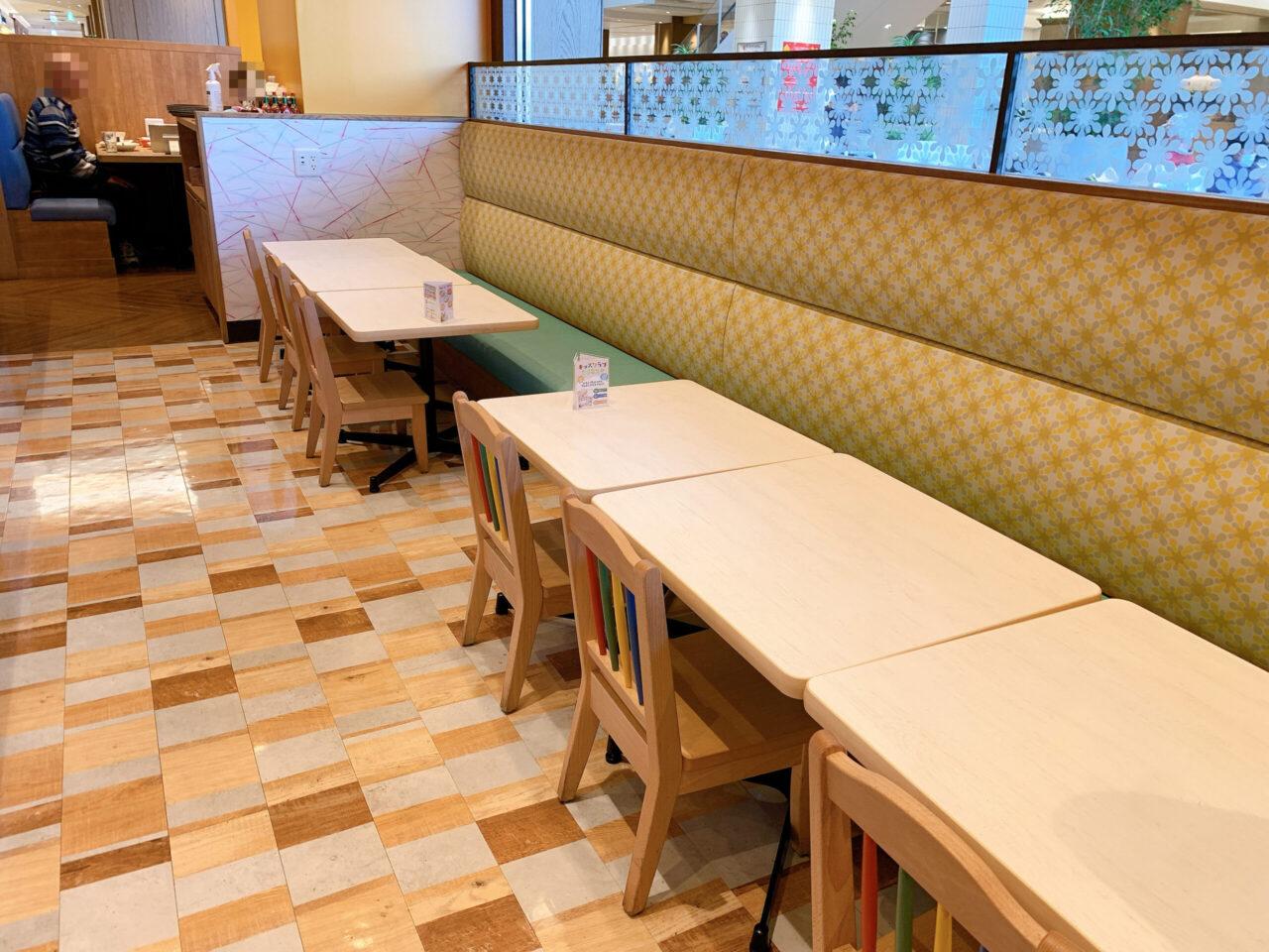 カプリチョーザ テラスモール松戸店の雰囲気 子供専用テーブル