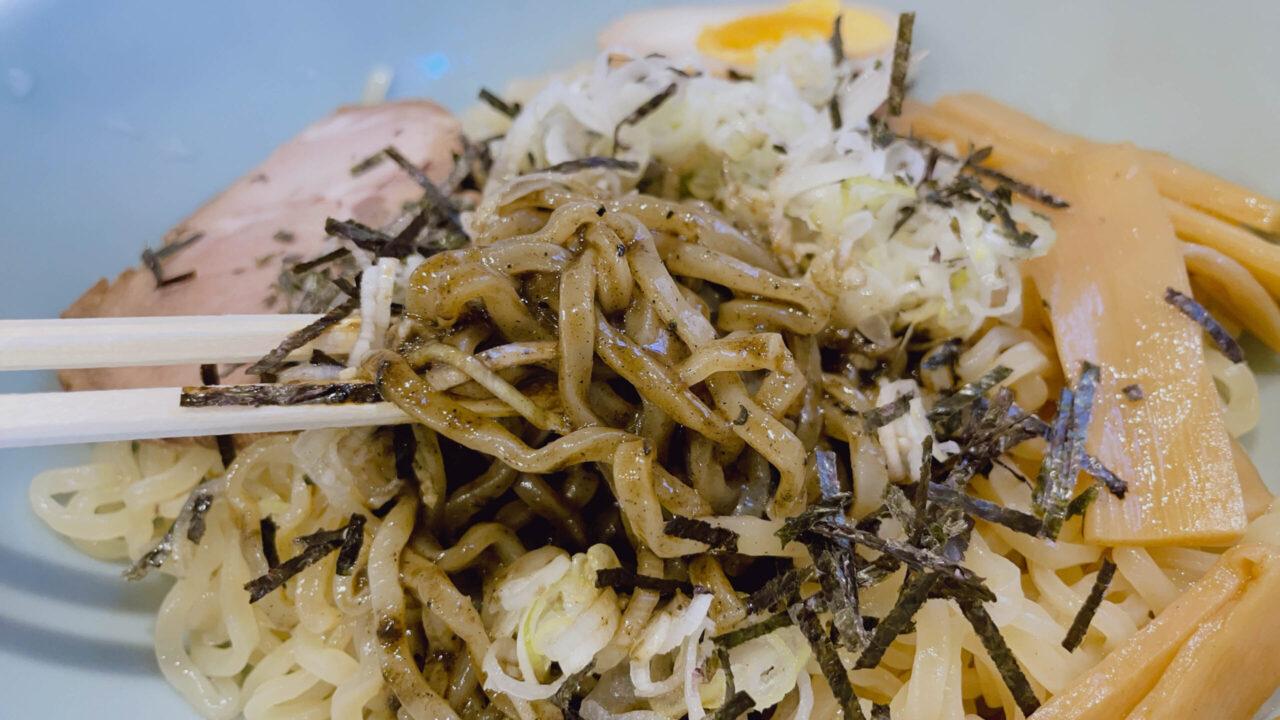 汁なし黒胡麻担々麺