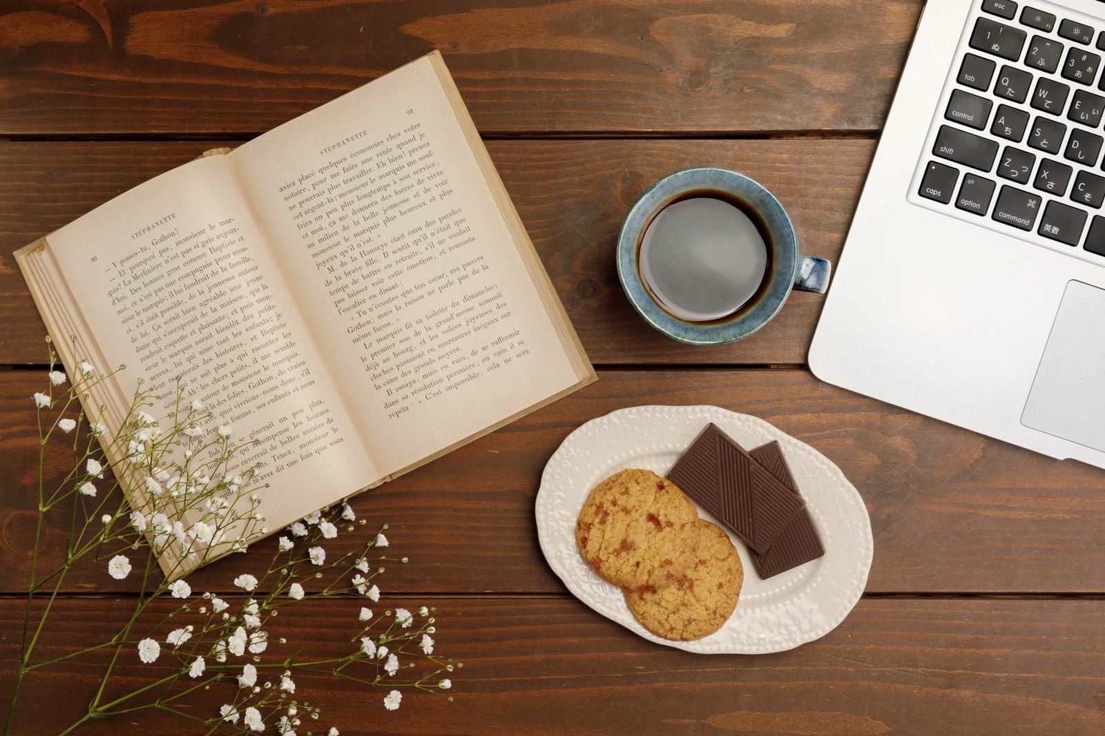 挽いたコーヒー粉とインスタントコーヒーの違い