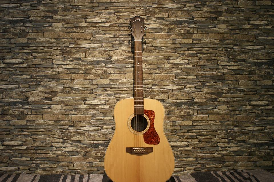 アコースティックギターの定番フォークギター