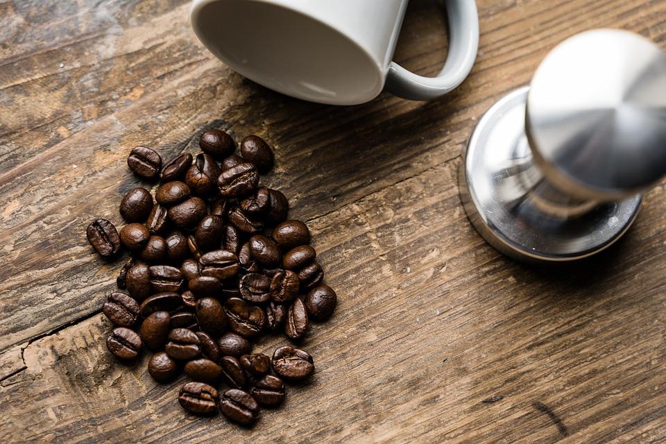 美味しいアイスコーヒーには深煎り豆を使う