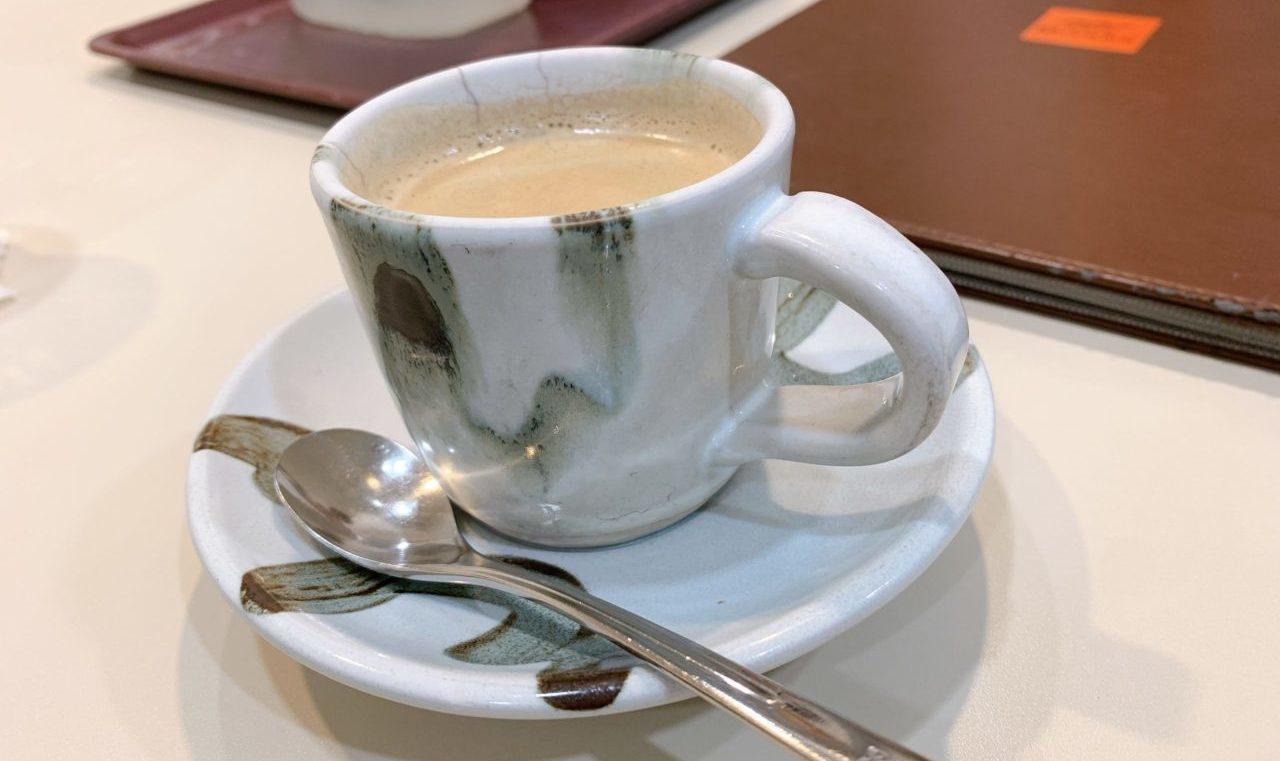 陶器カップで提供された和風なMiyamaブレンド