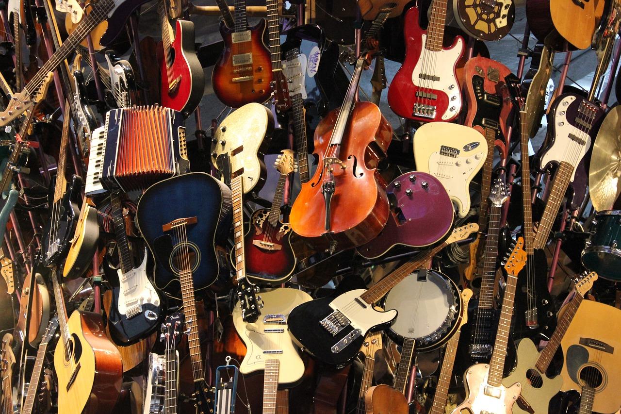 定番ギターを3タイプに分けて紹介