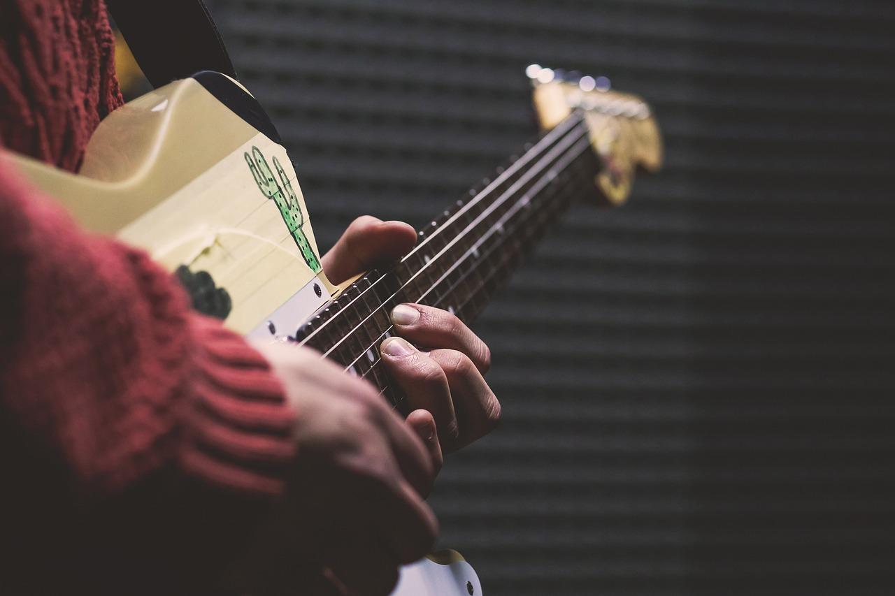 ギターは基礎から始めなくても全然OK!!