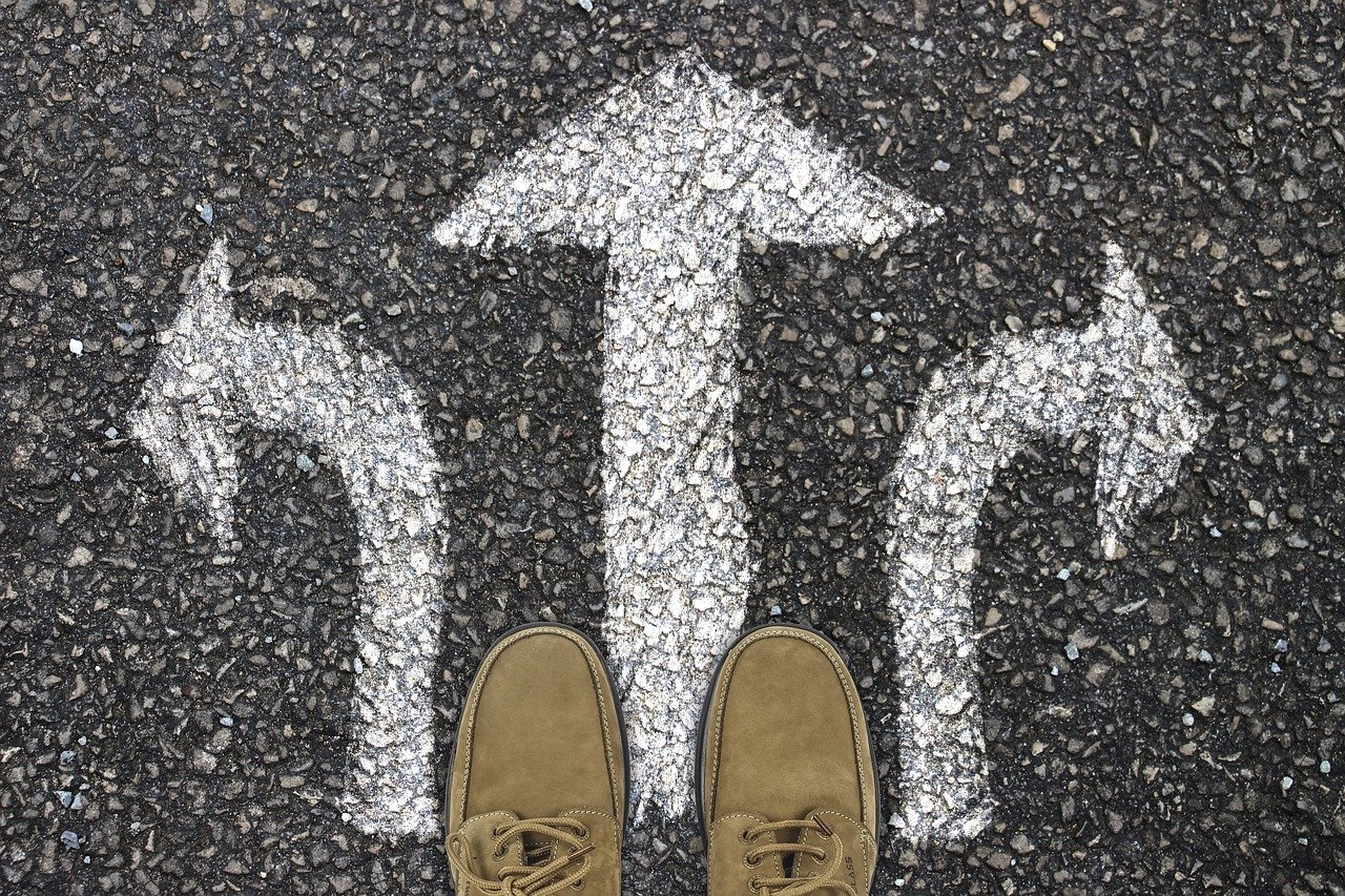 まとめ:人生の難易度を下げたいなら他人に寄り添うことをやめよう