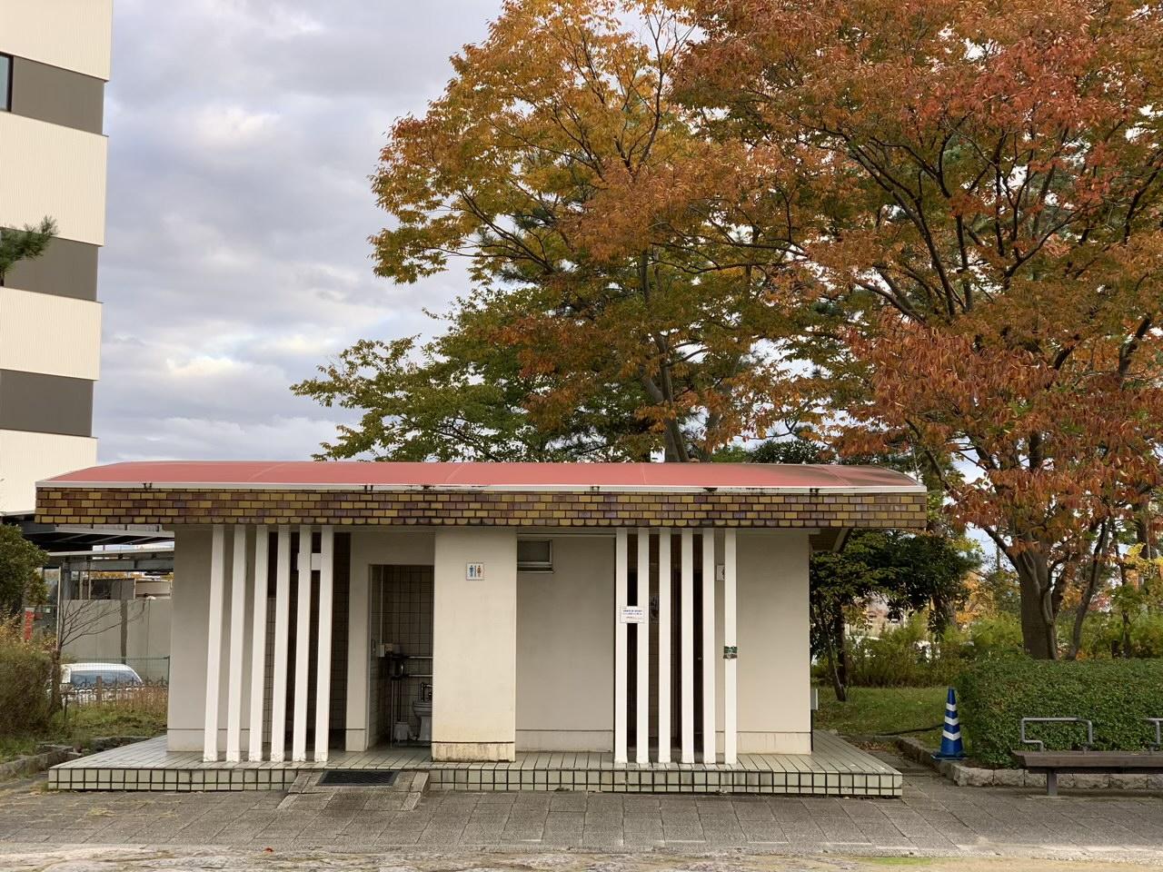新潟県立鳥屋野潟公園|鐘木地区の雰囲気 公衆トイレ