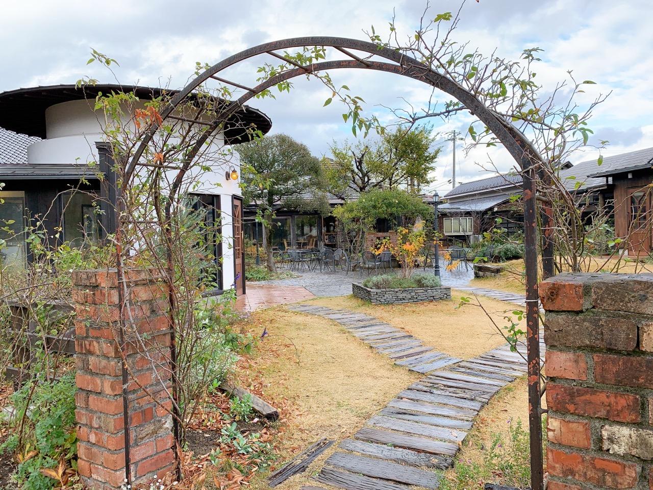 中庭からはぶどう畑も観光できる!