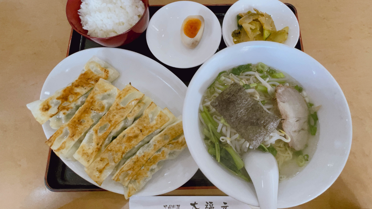 焼き餃子+半塩麺+半ライス